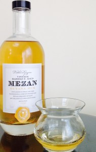 Mezan Guyana Rum - Uitvluigt 1998 review by the fat rum pirate